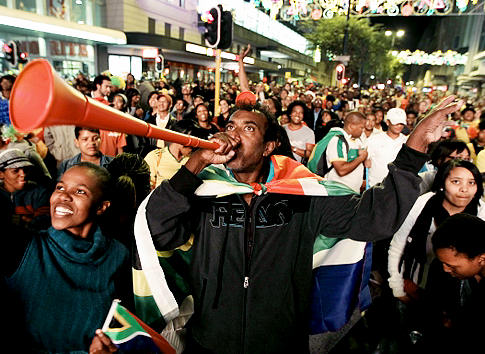 south african fans vuvuzela